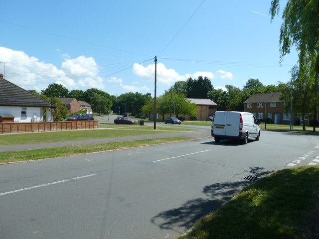 Approaching the junction of  Hillson Drive and Privett Road