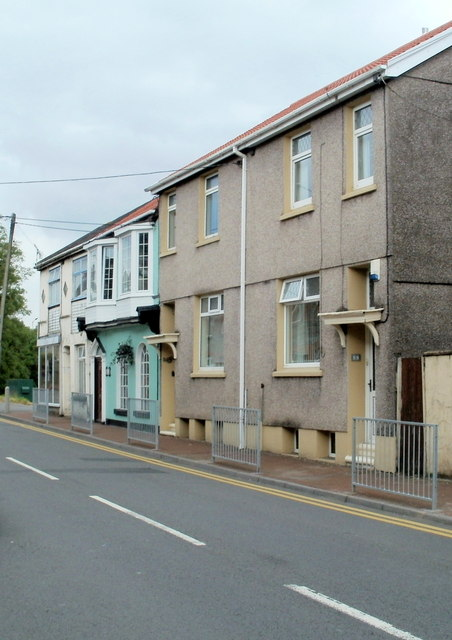 High Street houses, Glynneath