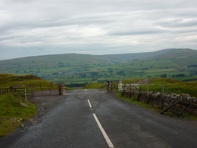 Cattle grid south of Hungry Well
