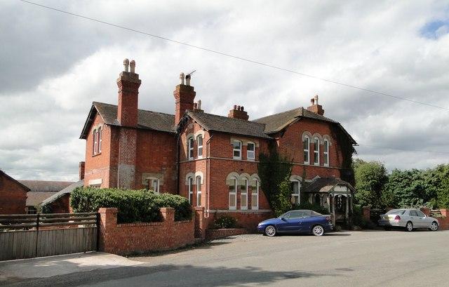 Former hotel, Moorhampton