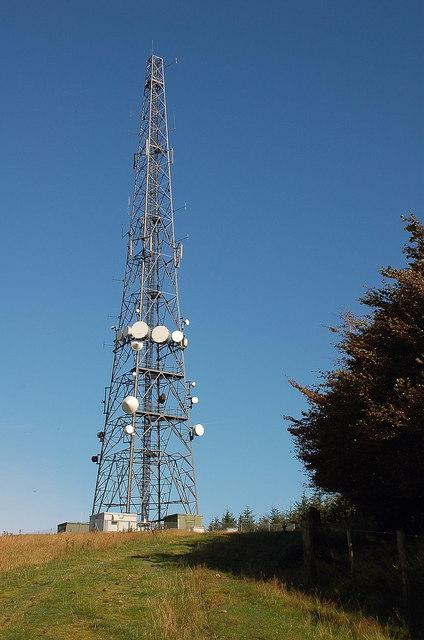 Communications mast on Hardens Hill