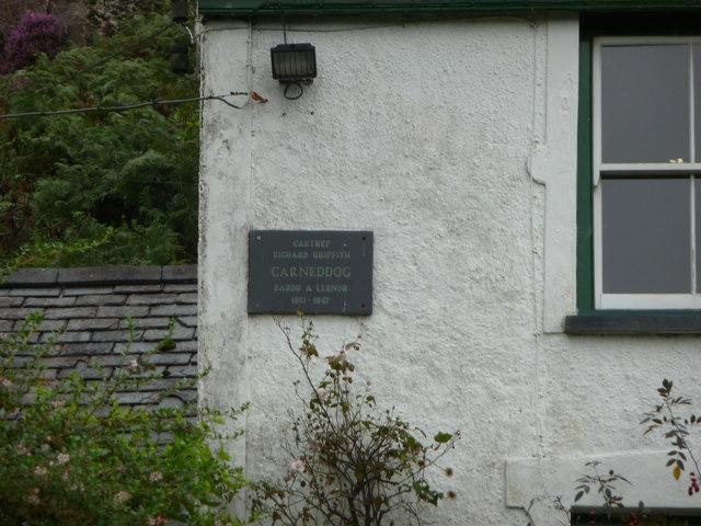 Plaque on Carneddi farmhouse