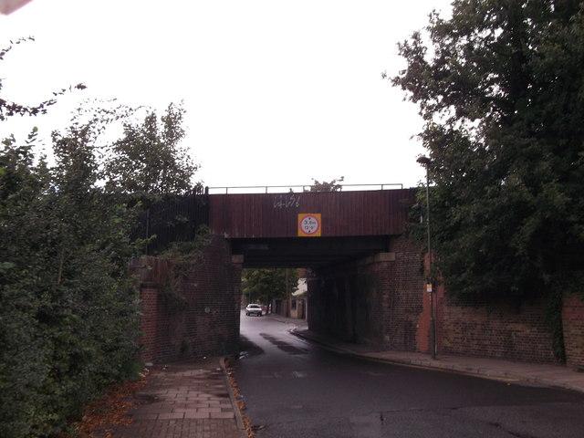 Railway bridge over The Avenue