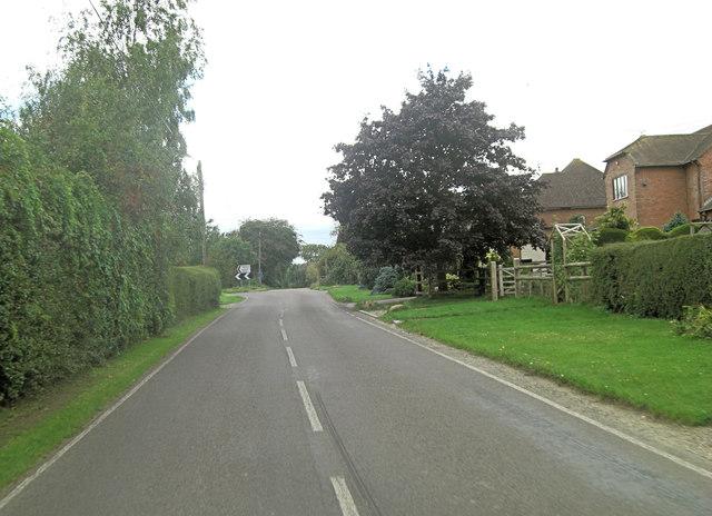B4009 at Westridge Green