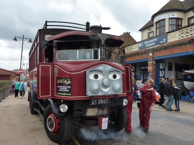Elizabeth the steam bus on Pier Road, Whitby