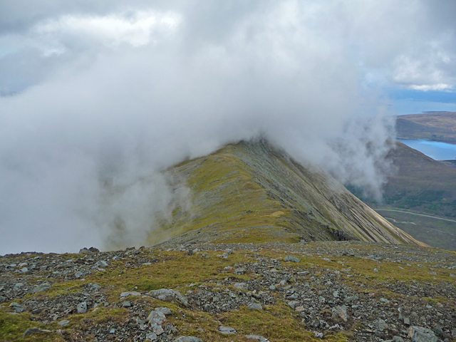 Cloud rolling over An Coileach