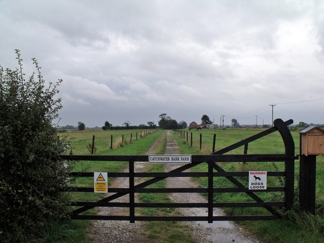 Gate and track to Catchwater Bank Farm