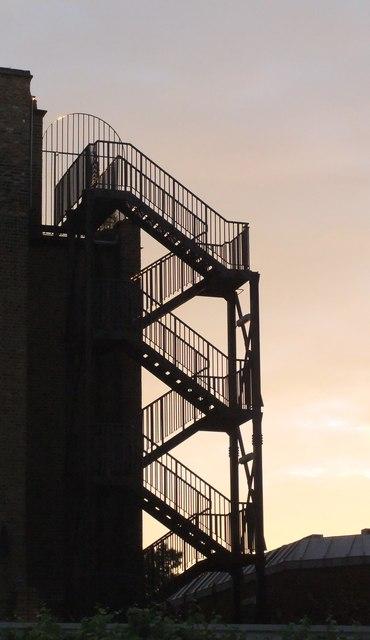 Fire-escape, Chiswick High Road (2)