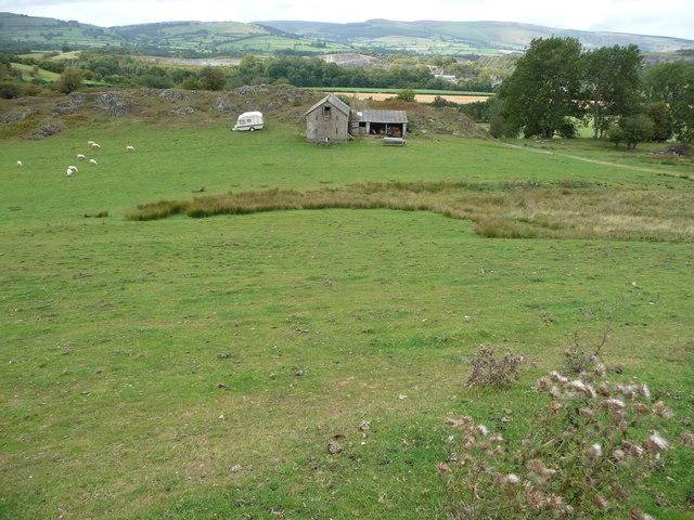 Knowle Barn below Hanter Hill