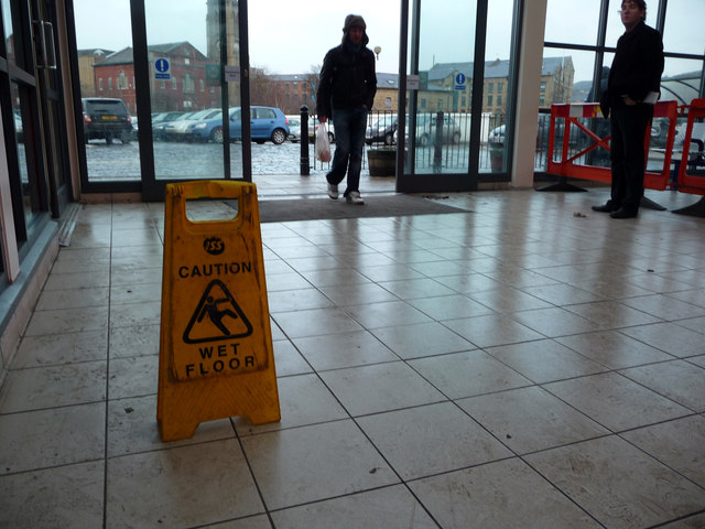 A slippy floor, Halifax station