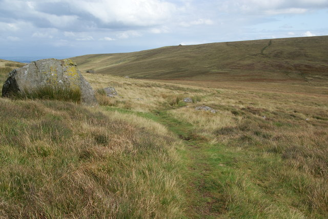 Descending to the depression between Mynydd-bach and Carn Bica