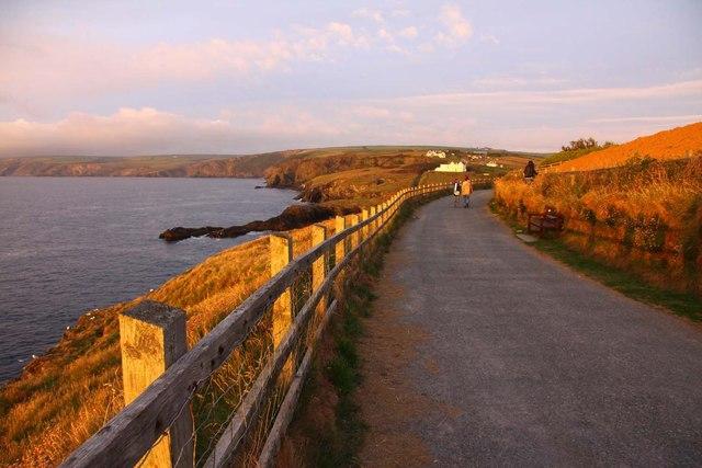 The Southwest Coast Path to Port Gaverne
