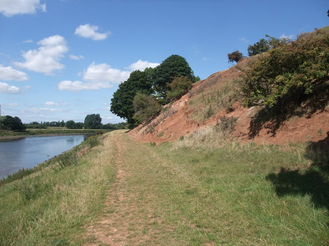 Solid geology alongside the Trent Valley Way