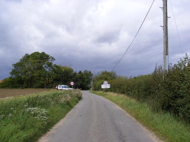 Entering Letheringham on Park Road