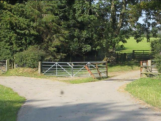 Farm access off the B4355