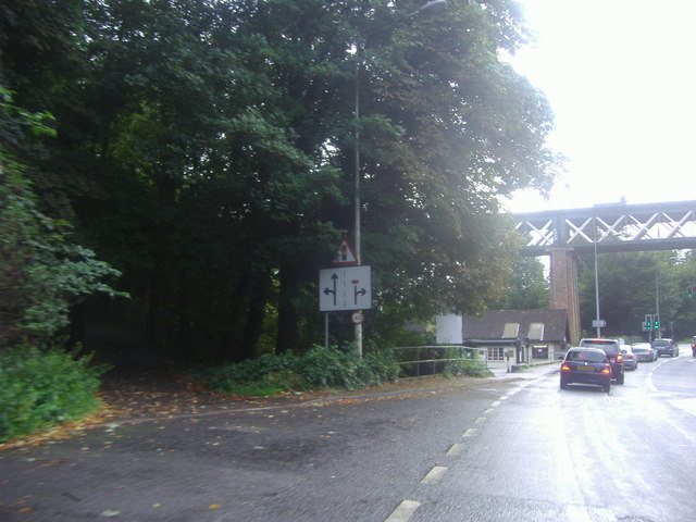 The A25 before the rail bridge in Oxted