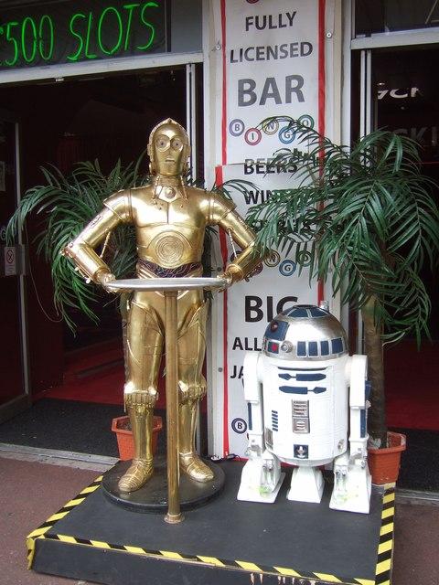C-3PO and R2-D2, Torquay