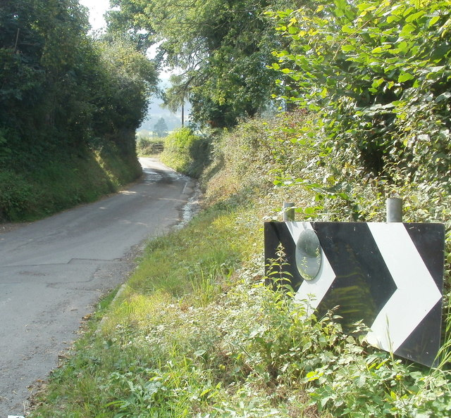 Mirror on a sharp bend sign, Triley Mill