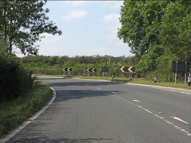 Sharp bend on the A44