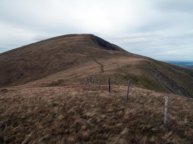 Fence line descending north-west towards Bwlch Gwyn