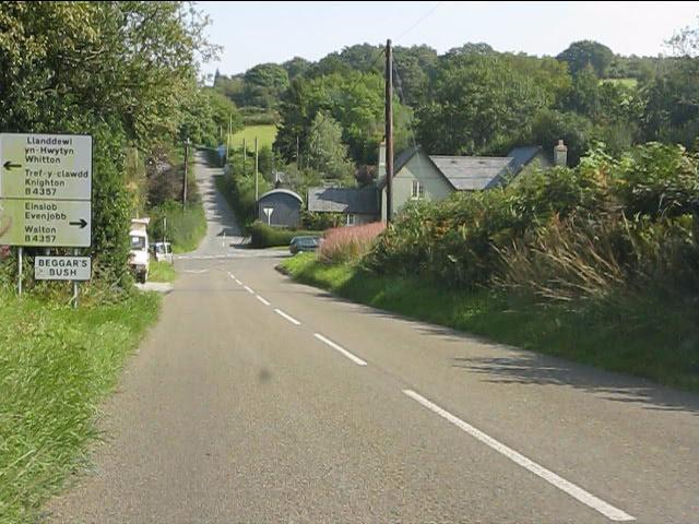 Beggar's Bush crossroads from the west