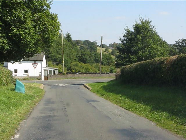The lane from Home Farm meets the B4355