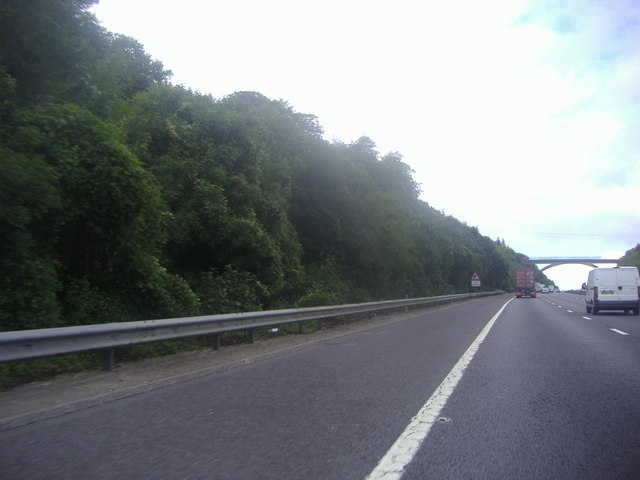 The M25 approaching footbridge, Polhill