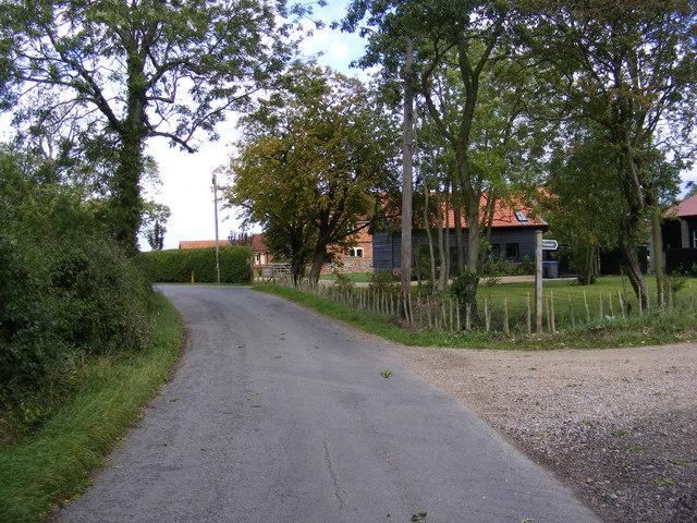 Road near to Moat Farm