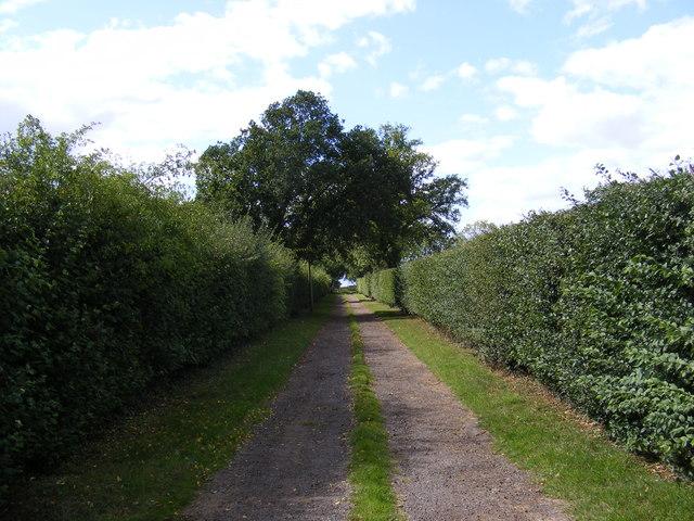 Byway to Villa Farm & Entrance to Warren's Farm