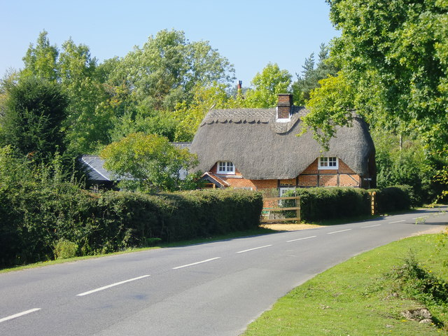 Thatched cottage at Minstead, New Forest