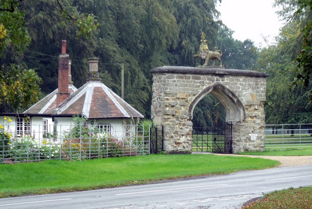 Lion lodge and Gateway to Scrivelsby Court