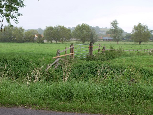 Towards Shott's Farm