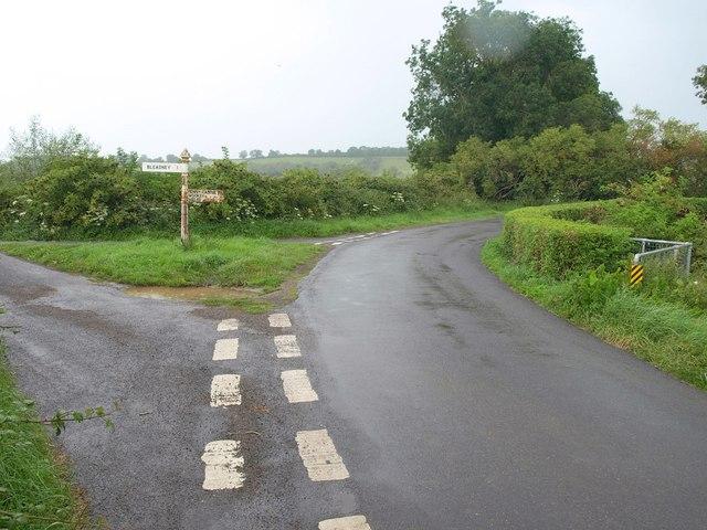 Junction of droves near Hurn Farm