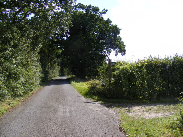 Hall Lane & the footpath to the B1079 Helmingham Road