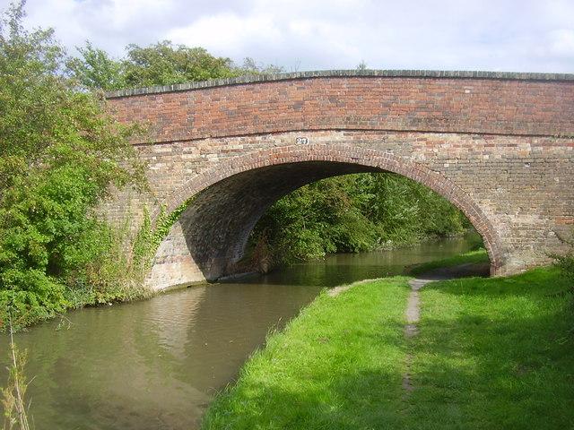 Oxford Canal-Bridge No 27