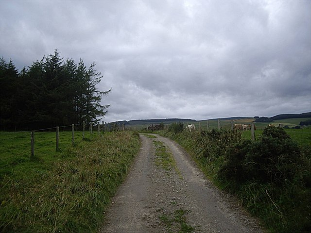 Approach to summit of track to Templand