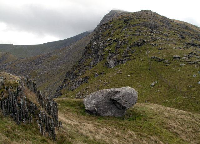 Ridge climbing eastwards above Clogwyn Du'r Arddu