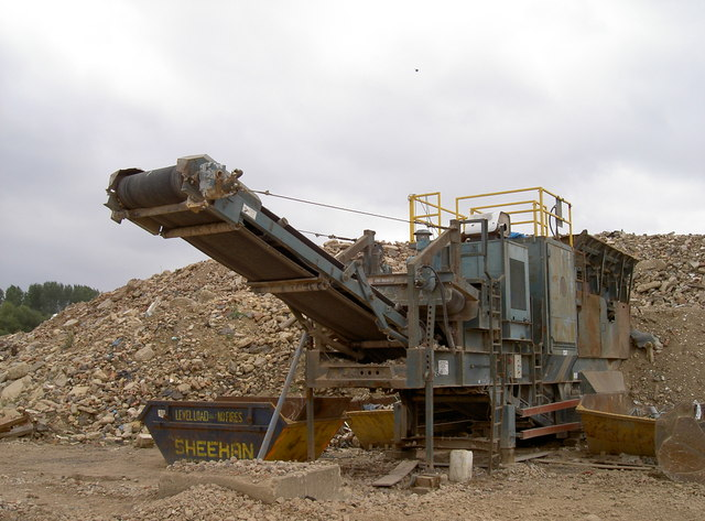 Crusher in a former gravel pit