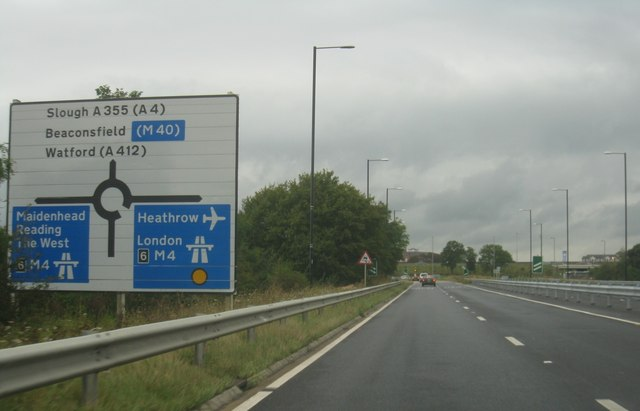 A335 approaching the M4