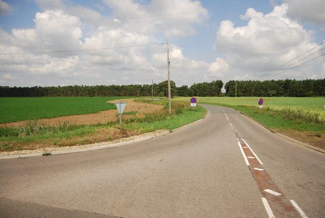 B1112 off the A11