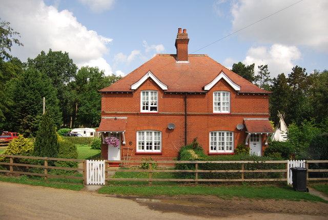 Gate Lodge, Weather Heath