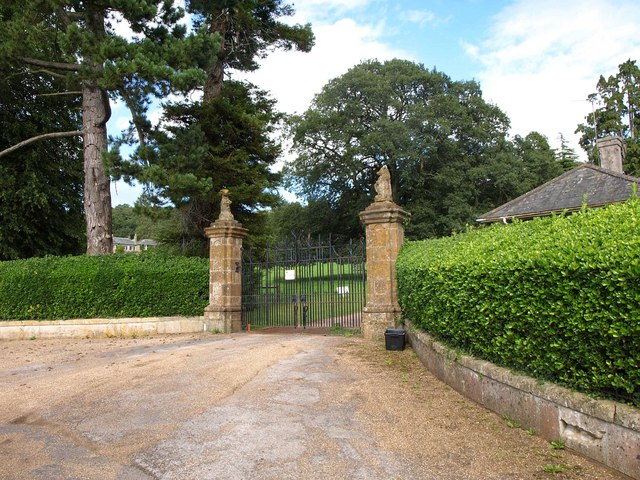 Gates to Sharcombe Park
