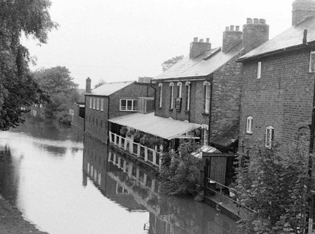 Boat & Railway Pub, Canal Side, 1983