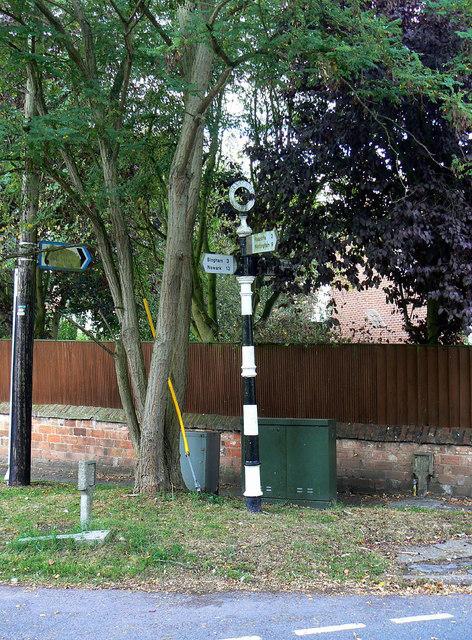 Fingerpost, The Green, Cropwell Butler