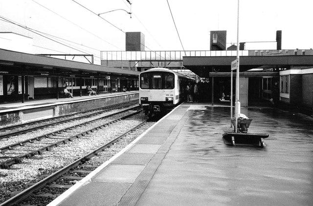 """Sprinter"" Train at Wolverhampton, 1987"