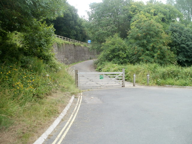 Gated section of road, Llansantffraed