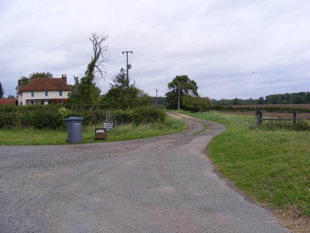 Bentries Farmhouse & Entrance