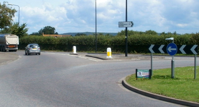 B3133 junction at the northern edge of Yatton