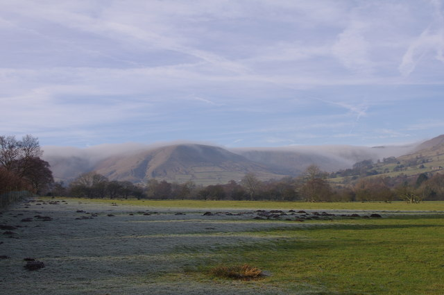 Edale Head with cloud spilling over tops