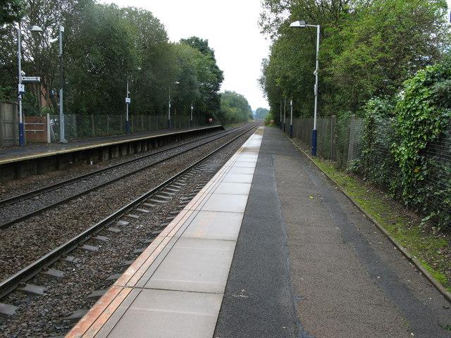 Crossmyloof railway station, looking South-West